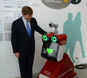 King Willem-Alexander meets protoFROG