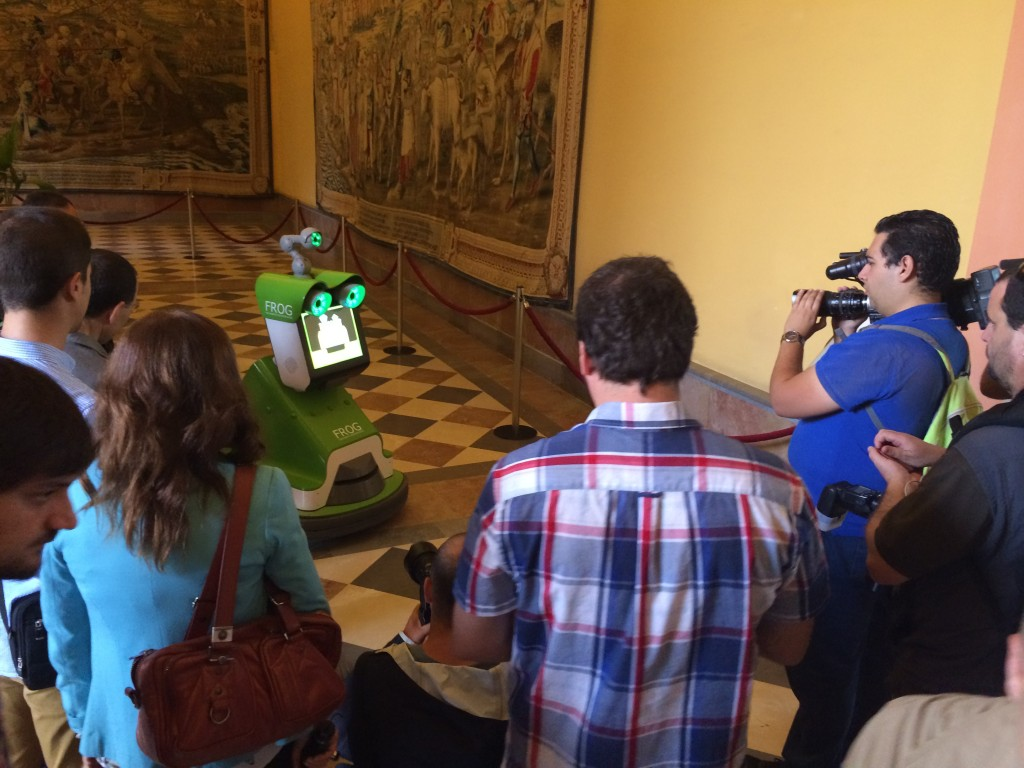 FROG enjoying the limelight at the Royal Alcázar in Seville
