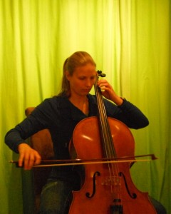 Daphne cello 2